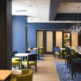 hampton-inn-breakfast-area